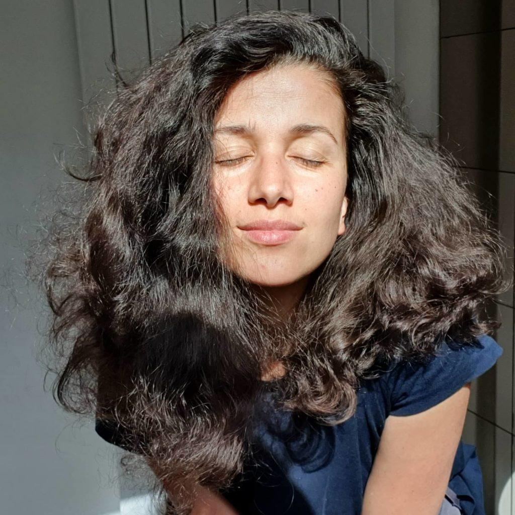 cheveux bouclés brossés - ninaturelle